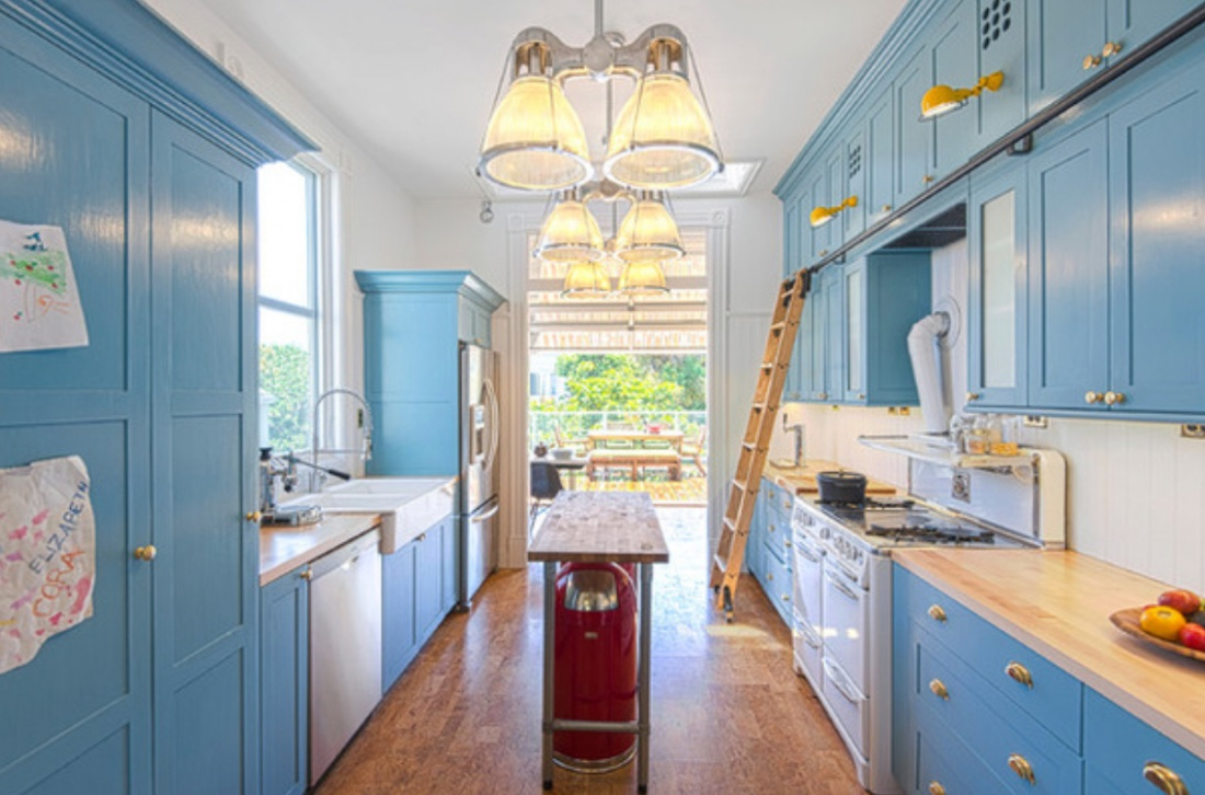 Blue Kitchen Cabinets Oval Room Blue Kitchen Cabinets Quicuacom