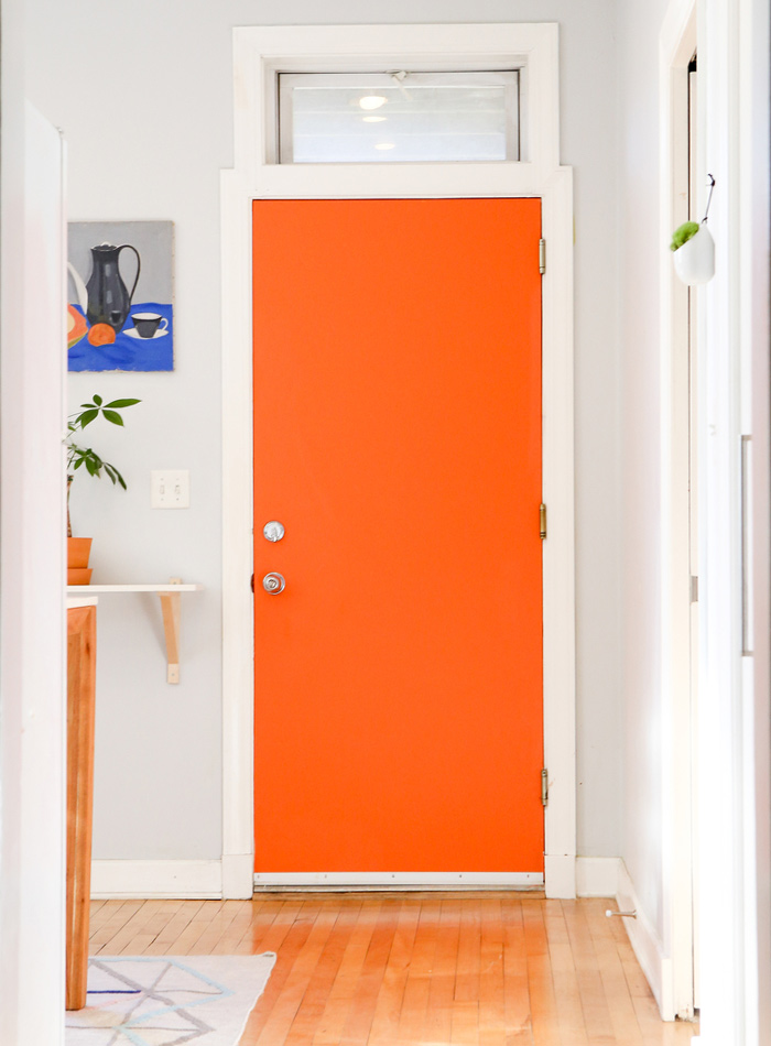 DS orange door